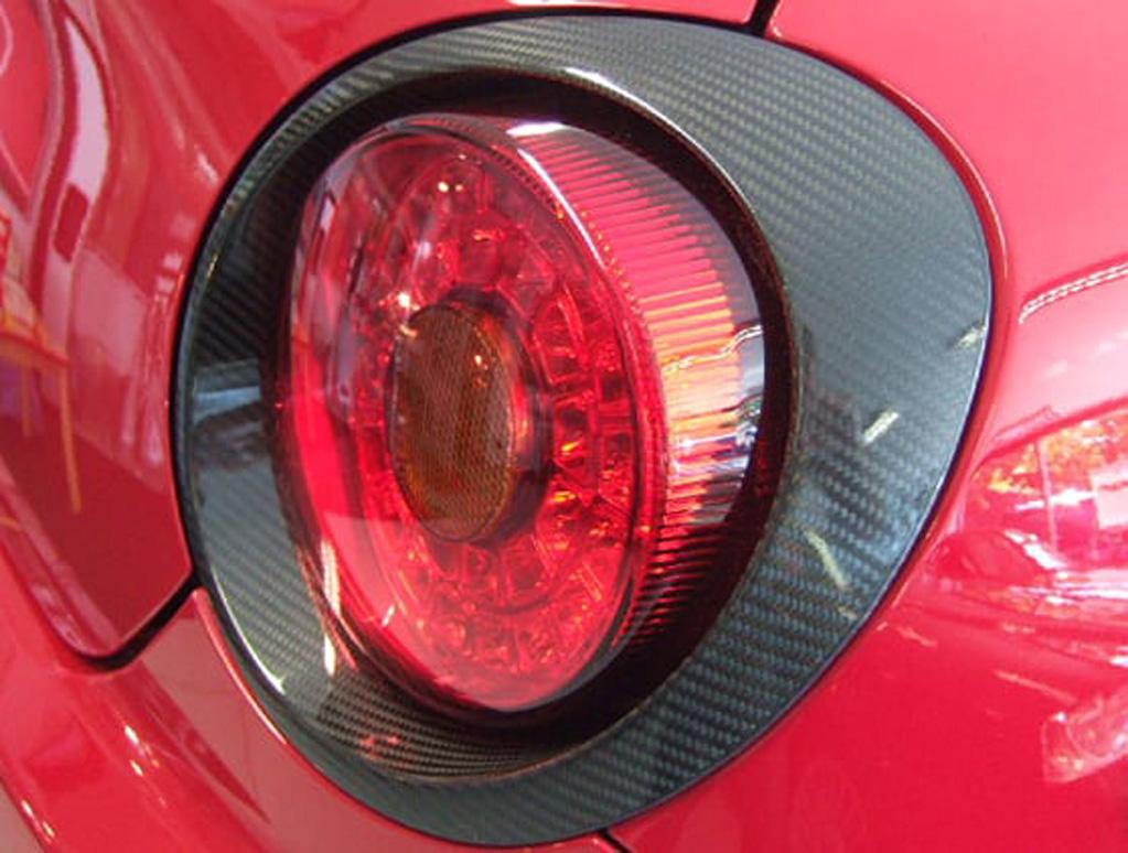 MiTo carbon fibre rear lamp surround