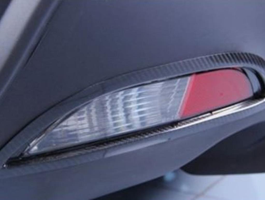MiTo carbon fibre rear bumper lamp surround
