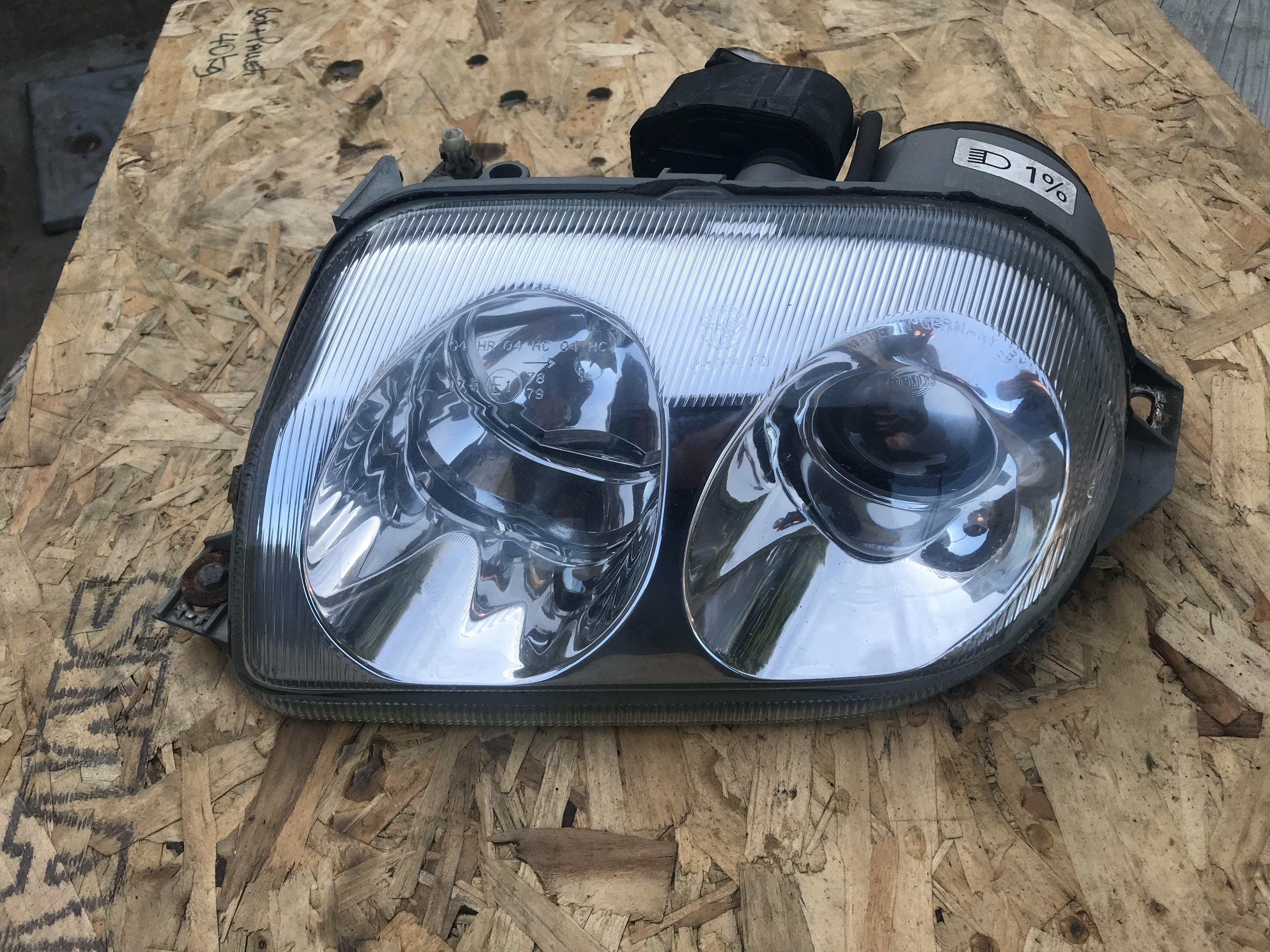 916 L headlight